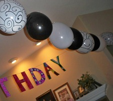 Simple Birthday Party Ideas - Decorating with Balloons