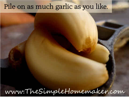 How to Make Amazing Garlic Butter | TheSimpleHomemaker.com