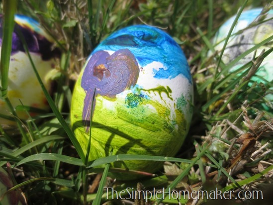 Simple and Creative Easter Eggs for Real Kids (With or Without Dye)