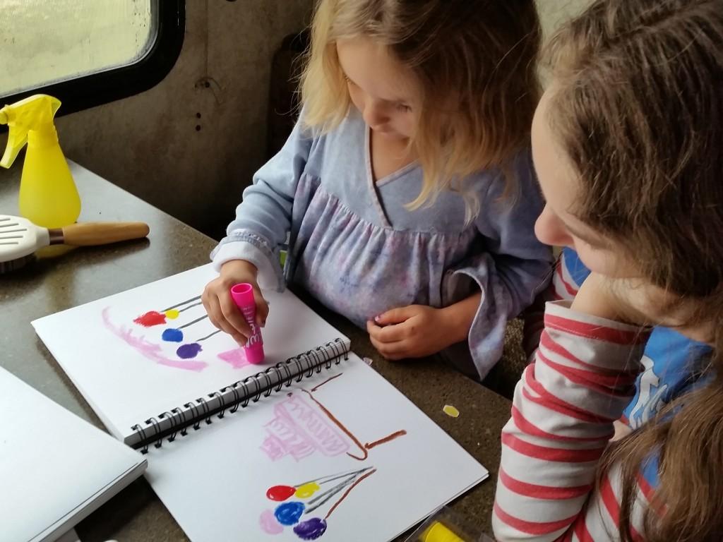 Mess-free kids' paint--try it!